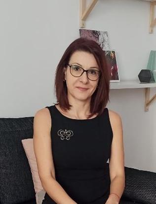 Desislava Lazarova,astrologia aziendale,galateo aziendale,astrologia,business etiquette
